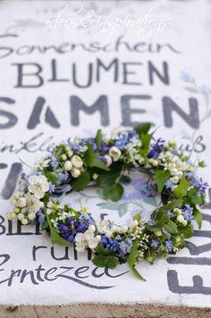 wreath Kranz Frühling Spring Blumen flowers blue blau