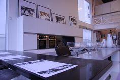 """A """"Cozinha Home Styling"""" foi desenhada pela arquiteta Luciana Ventura. Um dos destaques da mostra """"Moda da Casa"""" da Mega Store Dell Anno de Niterói."""