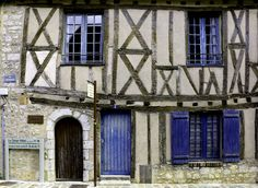 'The Crooked House' 'La maison de guingois' Provins, France More pictures on www.vises.pictures #oldhouse #old #house #middleages #Halftimberedhouse #pictures #topVISE #Provins #France #maison #guingois #colombage