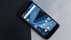 شركة TCL تستعد لإطلاق هاتف بلاك بيري جديد مع شاشة تعمل باللمس Blackberry Smartphone, Ram Card, Google Talk, Photo And Video Editor, World Wide News, Display Technologies, Samsung Galaxy, Tecnologia