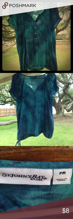 """✨SUMMER TOP✨. NWOT """"PRETTY LINEN with PEARL BUTTONS AND CUTE GATHERED SHORT SLEEVES"""". 😘. 🦋 (TIE DYE DESIGN WITH A DRAW STRING @ the Waist) St Johns Bay Tops Blouses"""