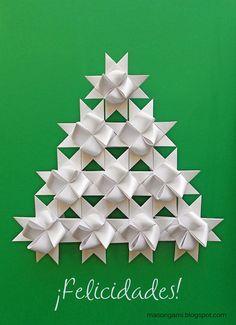 """El árbol navideño está formado por diez """"German Star – Froebel Stern"""". Si te gustó alguna de las piezas y querés comprar una o ..."""