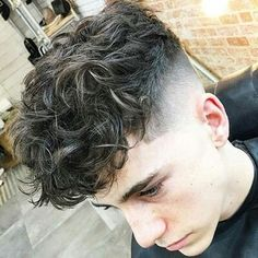 21 Curly Hairstyles and Cuts for Short & Long Hairs 2019 Dauerwelle Perm Hair Men, Wavy Hair Men, Haircuts For Curly Hair, Curly Hair Cuts, Permed Hairstyles, Fringe Hairstyles, Haircuts For Men, Curly Hair Styles, Men Perm