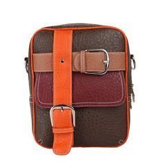 Traveller   Schoudertas - 25x20x8cm - crossbody tas met leuke gesp designs - extra voor- én achter ritsvakje - verstelbare schouderband   prijs: € 39.99