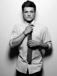 Josh Hutcherson to host SNL on Nov 22 http://twitter.com/HungerTimes/status/396016843007479808/photo/1