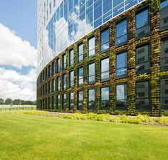 Green architecture: Eneco headquarters in Rotterdam by Hofman Dujardin Architects & Fokkema & Partners.  Rotterdam, The Netherlands