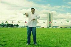 Humorista lança música que brinca com estereótipos de cidades do DF - http://noticiasembrasilia.com.br/noticias-distrito-federal-cidade-brasilia/2015/06/03/humorista-lanca-musica-que-brinca-com-estereotipos-de-cidades-do-df/