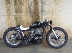 YAMAHA SR510 | BerryBads Motorcycle (Brat-style-Bobber-Café)