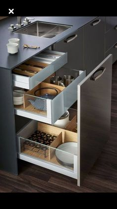 Diy storage ideas for kitchen organizing cabinets Ideas Modern Kitchen Cabinets, Kitchen Cabinet Design, Modern Kitchen Design, Kitchen Pantry, Interior Design Kitchen, Kitchen Walls, Kitchen Soffit, Kitchen Counters, Wood Countertops