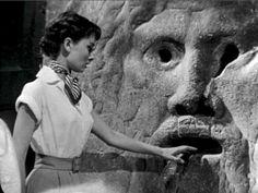 """The """"Bocca della Verità"""" between cinema, history and reality ...  ROMA"""