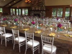 DOOR COUNTY WEDDINGS WEEK IN REVIEW ~ Gordon Lodge looking gorgeous with flowers by Buds 'n Bloom and wedding planning by Sash & Bow.
