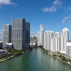What an amazing view of Downtown Miami by @armando_al_mando #brickellliving #brickell #miami