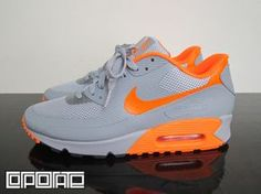 The latest Nike Air Max 90 Hyperfuse takes on a summer look with the use of Grey/Orange with Hyperfuse panels and mesh. If your in-need of a hot pair of kicks, than hit up Corporate to grab your pair now. Nike Free Shoes, Nike Shoes Outlet, Running Shoes Nike, Air Max 90 Hyperfuse, Air Max Sneakers, Sneakers Nike, Adidas Shoes, Nike Free Runners, Baskets