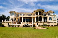 Tuscan Mansion in North Carolina, 1100 Pembroke Jones Drive Wilmington, NC 28405 - page: 1