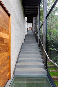 Best Outdoor Staircase Enclosed Google Search Staircase 400 x 300