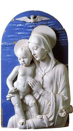 Andrea della Robbia - Madonna col bambino che tiene un uccellino (1470-75)  #TuscanyAgriturismoGiratola