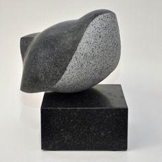 Billedhugger Jens Ingvard Hansen laver skulpturer og udsmykninger af bronze og granit. Eget bronzestøberi og stenhuggerværksted.