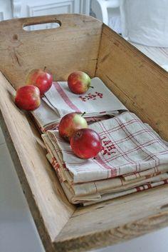 an antique wooden holder for fruits &/or vegetables. thank you, j