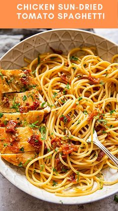 Spaghetti tossed with sun-dried tomatoes, chilli and garlic and served with juicy chicken breasts is a delicious one pan dinner that is a cinch to make! Chicken Tomato Pasta, Tomato Pasta Recipe, Chicken Pasta Recipes, Spaghetti Recipes, Pesto Recipe, Spaghetti With Chicken, Garlic Pasta, Baked Chicken, Sundried Tomato Recipes