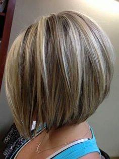 Facebook Pinterest TwitterCortes de pelo bob escalados, ideas para copiar. El corte de pelo bob escalado, es un corte fresco y muy refinado. El bob es un peinado clásico que nunca ha sufrido los reveses en el mundo de la belleza, siempre ha estado de moda. Hay famosas que han hecho que ese peinado las