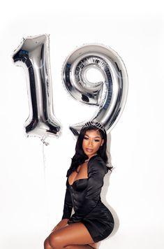 brandyfergusonslowly - 0 results for birthday photoshoot ideas 19th Birthday Outfit, Cute Birthday Outfits, Girl Birthday, 16th Birthday, Birthday Cakes, Women Birthday, Birthday Dresses, Glam Photoshoot, Photoshoot Themes