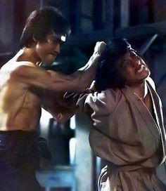 """2 of the greatest Martial Artist Jackie Chan With Bruce Lee. """"Enter the Dragon"""" Jackie Chan, Martial Arts Movies, Martial Artists, Bruce Lee Martial Arts, Jeet Kune Do, Enter The Dragon, Kung Fu, Foto E Video, My Idol"""