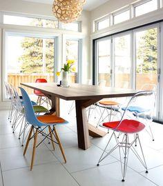 1-charles-eames-colorida-mesa-jantar