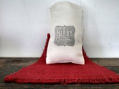 Merry Christmas Party Favor Bags. Cotton Muslin party favor gift bag. By www.SweetThymes.etsy.com