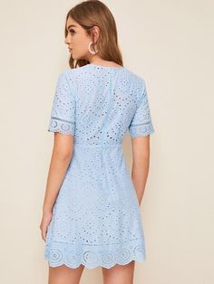 To find out about the Plunging Neck Scallop Trim Bustier Schiffy Dress at SHEIN, part of our latest Dresses ready to shop online today! Dress Outfits, Casual Dresses, Fashion Dresses, Short Sleeve Dresses, Bustiers, The Dress, Dress Skirt, Corset Dresses, Royal Clothing