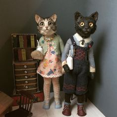 Our goal is to keep old friends, ex-classmates, neighbors and colleagues in touch. Creepy Baby Dolls, Creepy Toys, Creepy Cute, Art Textile, Cat Doll, Tiny Dolls, Vintage Textiles, Soft Sculpture, Felt Animals