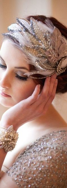 Glitz and Glam are the way to go and how elegant does this look! www.thegatsbygirls.com