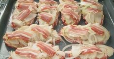 Neck steaks on the sheet Chef - Neck steaks on the tray – a delicious recipe Baked Meat Recipes, Healthy Meat Recipes, Hamburger Meat Recipes, Ham Recipes, Steak Recipes, Clean Eating Recipes, Crockpot Recipes, Sandwich Recipes, Potted Meat Recipe