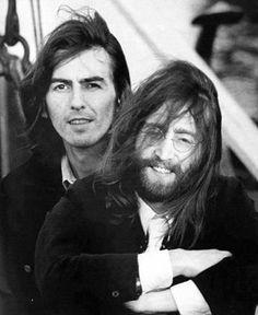 George Harrison and John Lennon. My favorite Beatle George Harrison and a very close second John Lennon ❤❤❤ Ringo Starr, Paul Mccartney, John Lennon, Liverpool, Pop Rock, Rock And Roll, The Beatles, George Beatles, Hippie Man