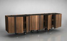 un buffet original en bois avec des pieds métallique