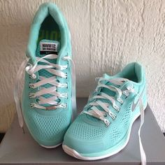 Special edition Nike women's marathon | {F I T S P E R A T I O N} |  Pinterest | Marathons, Running and Clothes