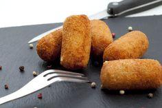 La mejor receta de croquetas de jamón ibérico. Salen muy buenas pero cremosas…
