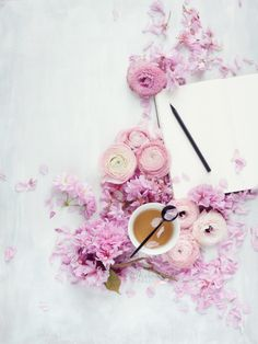 Tea, flowers, a journal...the best way to start a new day  #floral #flatlay #photography © Cristina Colli