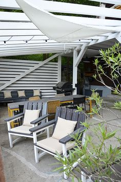 Erdei Kisház projekt teljesítve | juditu Outdoor Chairs, Outdoor Furniture, Outdoor Decor, Wooden House, Sun Lounger, Home Decor, Chaise Longue, Decoration Home, Room Decor