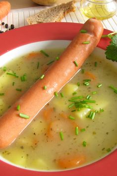 Sächsische Kartoffelsuppe: Kräftiges Retro-Rezept Saxon Potato Soup: Powerful Recipe from the GDR – Recipes – bildderfrau. Retro Recipes, Ethnic Recipes, Recipe Mix, Potato Soup, Body Care, Sausage, Bakery, Dinner Recipes, Food And Drink
