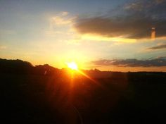 Vue sur un coucher de soleil sur le trajet de Nice - Concours photo interne