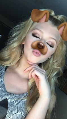 Heey *says that flirty* I'm Loren I'm a plastic I am 15 and single but depressed because my little brother died *pouts cutely* I'm flirty~Loren