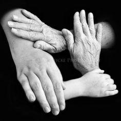 4 generations - Robyn McGufficke Photography