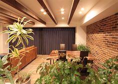 LD、リビング、ダイニング、飾り梁、タイル壁、ブリックタイル、アクセント、リノステージ