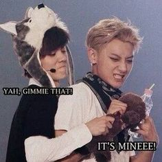 hahahaha awwwwwwwe:) ... Luhan & Tao:) Y'know I needed to smile! Good grief EXO's cuuuuuuute:)
