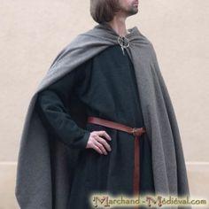 Capa medieval de lana
