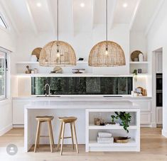 My Little Apartment (Inspiration) White kitchen with high ceilings and rattan pendants is the foolproof formula for a coastal kitchen Küchen Design, Layout Design, House Design, Design Ideas, Design Styles, Design Elements, Graphic Design, Decor Styles, Hair Design