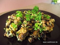 veganer Pilz-Schmarrn mit Lauchzwiebeln und Räuchertofu - vegane Rezepte auf Laubfresser