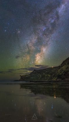 Airglow, bioluminescence, Milky Way rising - Photo by Amit Kamble in Auckland, New Zealand
