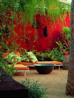 Love the effect of painting the wall red allowing th egreenery to pop I New Garden Design: Inspiring Private Paradises Joseph Marek Garden Outdoor Rooms, Outdoor Gardens, Outdoor Living, Outdoor Decor, Garden Wall Designs, Garden Design, Patio Design, Beautiful Home Gardens, Walled Garden