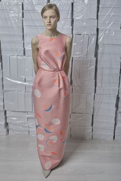 Women's Runway Fashion, Pink Fashion, Fashion Looks, Romper With Skirt, Column Dress, Fashion Show Collection, Mannequins, Dress Me Up, Vanity Fair